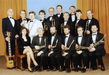 R. 1995: dole – P. Brančová, J. Musil, K. Biško, J. Mládek, L. Hubka, J. Dafčík; druhá řada – L. Bleha, Z. Prášek, J. Kuttelwascher, R. Mlázovský, J. Mach, P. Kucman, J. Janda, V. Král, J. Valeš, J. Chlumecký.