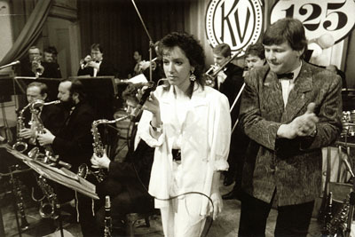 Kolem r. 1992: sax – Musil, Biško, Mládek, voc Brančová, Kutellwascher, tpt – Mach, Mlázovský, cor – Hanousek, tbn, Petrů, Metelec.